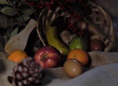 3 (Enriquehg2016) Tags: apple reflection light stilllife egg eggs basket fruit manzana reflejo luz bodegón huevo huevos cesta fruta