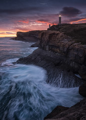 Faro Cabo Mayor (Pablo RG) Tags: santabder santander cantabria amanecer cabo mayor paisaje landscape seascape nature faro lighthouse mar costa acantilado nikon