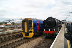 70000 (Gricerman) Tags: class158 158969 firstgreatwestern 70000 britanniaclass britannia salisbury salisburystation