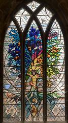 Melton Mowbray, St Mary's church, Window (Jules & Jenny) Tags: stmaryschurch stainedglasswindow meltonmowbray derekhunt treeoflife 2017