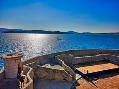 Tour Royale - Toulon - Côte d'Azur France-IMG_20180907_170823 (jmlpyt) Tags: architecture armée forteresse france horizontal image en couleur mur de pierres photographie provencealpescôtedazur toulon tour structure bâtie vue plongée horizon paysage urbain bleu ciel destination voyage ligne dhorizon audessus leau mer nature prise extérieur côte dazur army fortress la color stone wall photography provencealpescôte tower built high angle view urban landscape blue sky travel over water sea outdoor shot french riviera