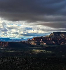 Afternoon hiking in Sedona today was made even more magnificent by the interplay of light and shadow. #Sedona #LizardHead #hike #trail #southwest #arizona #hiking #outdoor #adventure #nature #earthpix #clouds #light #dark #landscape #landscapephotography (Nate Loper - #ArizonaGuide) Tags: southwest grand canyon arizona flagstaff outdoors landscape nature getoutside travel scenic royalty free to use seetheworld photography editorial sky clouds park geology desert adventure explore guidelife arizonaguide