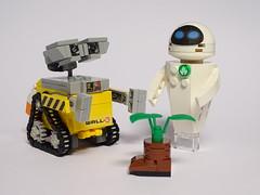 Wall-E & Eve (LuisPG2015) Tags: disney pixar eve walle lego