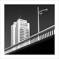 Edifici França. / Building France. (ximo rosell) Tags: ximorosell blackandwhite bw bn buildings arquitectura architecture composició llum luz light valencia squares spain