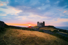O'Brien's Castle (Simone Della Fornace) Tags: ireland aranislands inisheer castle sunset tower sea ocean clouds sky nopeople nobody architecture building wall sunrays light sony a7rii voigtlander 21mm outdoor irish