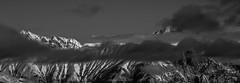Horizon des Cimes Enneigées (Frédéric Fossard) Tags: panorama monochrome noiretblanc blackandwhite alpes savoie maurienne vanoise paysage landscape mountainscape ciel sky nuages clouds cimes crêtes arêtes altitude horizon neige snow vallée valley flancdemontagne mountainpeak mountainrange mountainridge hiver winter weather snowcapped montagneenneigée