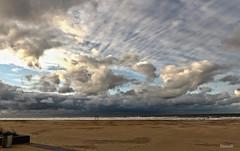 Plage de Ostende - Belgique (DOMVILL) Tags: belgique ciel domvill nuages ostende plage sable wwwflickrcompeoplevildom