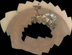 Incomplete Curiosity Self-Portrait (sjrankin) Tags: 19january2019 edited nasa mars panorama msl curiosity galecrater haze mountains sand dust selfportrait selfie 3195mb large