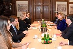 Außenministerin Kneissl trifft EU-Integrationsministerin von Kosovo, Hoxha