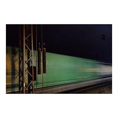 Nighttrain #train #Zug #commute #pendeln #nacht #night #tracks #güterzug #Cologne #köln #VSCO #vscocam #green #grün #longtimeexposure #langzeitbelichtung