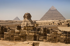 Sphinx and pyramids of Giza, Egypt (pas le matin) Tags: ruins ancient architecture ruines sky ciel travel world voyage afrique africa cairo lecaire giza gizeh egypt égypte sphinx pyramid pyramide pyramidesdegizeh pyramids gizapyramids canon 7d canon7d canoneos7d eos7d stone pierre