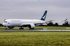 B-LRT | Cathay Pacific | Airbus A350-941 | CN 137 | Built 2017 | DUB/EIDW 19/11/2018 (Mick Planespotter) Tags: aircraft airport 2018 sharpenerpro3 nik blrt cathay pacific airbus a350941 137 2017 dub eidw 19112018 dublinairport collinstown a350