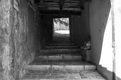 Balade dans les rues de Caromb -2 (LaurentBourdier) Tags: street rue streets caromb provence vaucluse france escaliers stairs pierres