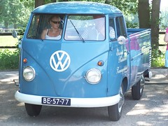 "BE-57-77 Volkswagen Transporter enkelcabine 1960 • <a style=""font-size:0.8em;"" href=""http://www.flickr.com/photos/33170035@N02/31671154667/"" target=""_blank"">View on Flickr</a>"