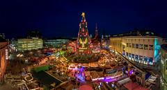 Dortmunder Weihnachtsbaum (Frank Heldt Photography) Tags: dortmund weihnachten weihnachtsmarkt weihnachtsbaum christmas xmas nrw frank heldt 5dmarkiv frankheldt love nice foto fotograf photo bvb ruhrgebiet ruhrpott