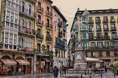 Bilbao (Aránzazu Vel) Tags: bilbao paisvasco basquecountry españa spain architecture arquitectura plaza square