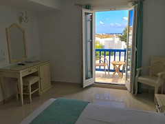 20171010_075718-IMG_8652 (dudegeoff) Tags: 20171010aeujmkdelosday delos mykonos greece 2017 october hotelrooms