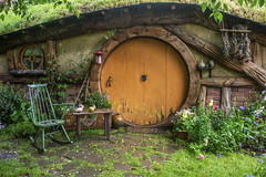 181202_031 Life in Hobbiton, New Zealand (MiFleur...Thanks for visiting!) Tags: hobbiton newzealand travel hobbit lordofthering movieset hdr mifleurdesign