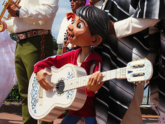 Miguel (meeko_) Tags: miguel rivera miguelrivera puppet coco pixar mariachi cobre mariachicobre band presents story thestoryofcoco mariachicobrepresentsthestoryofcoco show entertainment mexico mexicopavilion worldshowcase epcot walt disney world waltdisneyworld florida