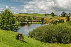 Hobbiton Village, Matamata, New Zealand (Hanna Tor) Tags: travel trip tourism hobbiton village hannator newzealand landscape lake bridge valley sony7rm3 island destination places