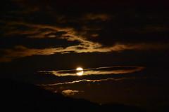 DSC_8441 (griecocathy) Tags: paysage lune nuage montagne noir rouge jaune blanc sombre lumineux
