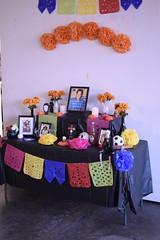_DSC0323 (alnbbates) Tags: november2018 dayofthedead livingartsoftulsa tulsa oklahoma altars ofrendas altar ofrenda