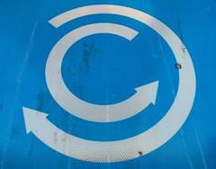 Balade automnale ... (Myben.be) Tags: c lettrec letterc bleu blue