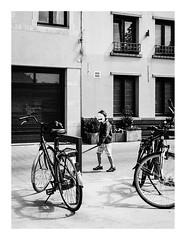 170514_114856_iphone5s_sint-andries-kwartier 5/5 (A Is To B As B Is To C) Tags: aistobasbistoc b belgië belgium antwerpen antwerp sintandrieskwartier munthof muntstraat city citylife street streetphotography iphone5s phone phonography bw blackwhite blackandwhite monochrome kid mask sword bike bikes urban stad fragment facade wall square