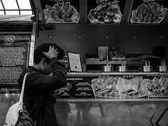 ... (Ewedan Photography) Tags: blackwhite bw blackandwhite bnw bild czarnobiale czarnobiało czarnobiałe centralstation schwarzweiss schwarzweis danielslominski deutschland ewedan einfarbig mensch people germany menschen foto fotografia fotografie canon g7xmii g7x human hamburg hauptbahnhof image pic picture pictures kunst mono monochrome obraz photo photography reisen streetphotography strase streetart streetstyle sztuka ulica