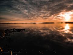 Landscape, Falun, Sweden. Huawei P20 Pro (real.jtj) Tags: sunset sun evening sweden sverige falun dalarna nature water sea vatten natur landscape solnedgång sol solljus new huawei p20pro beach strand