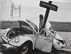 Crashed 1965 Beetle 1300 (ClassicsOnTheStreet) Tags: 6748an volkswagen 1300 käfer 1965 vw vwkäfer vwbeetle vwkever vw1300 typ11 type11 beetle bug kever bogár maggiolino coccinelle cox luchtgekoeld aircooled boxer 60s 1960s classiccar oldtimer classic klassieker classico oldie veteran gespot spotted carspot amsterdamgeuzenveld geuzenveld haarlemmerweg 1967 corout anp waanders eriksomers renékok 2007 amsterdam 2017 classicsonthestreet reproduction reproductie repro kopie copy fotovanfoto zww blw onk cwodlp an