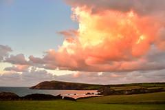 Fishguard coast sunset (Pixelkids) Tags: wales southwales fishguard küste coast wolke coastline landschaft landscape meer ozean sonnenuntergang sunset magicmoment licht sunlight klippen felsen