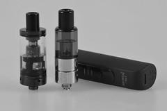 Vapes (shortscale) Tags: vaper verdampfer vaporizer justfog aspire k3 q16a jeasy3 schwarzweiss blackandwhite noiretblanc monochrome