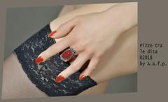 PIZZO TRA LE DITA (ADRIANO ART FOR PASSION) Tags: mano hand gamba leg pizzo dita anello sensuale sensualità fotostudio studio studiofotografico modella ragazza girl adrianoartforpassion autoreggenti calza dettaglio