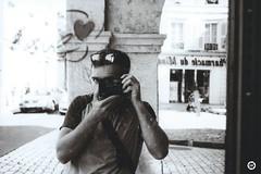 (LV diaphragm) Tags: france la rochelle monochrome noir black blanc white canon af35m argentique analog film street photography ilford