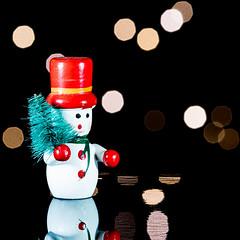 Holiday Bokeh (roseysnapper) Tags: holidaybokeh macromondays nikkor105mmmicrof28 nikond810 macro bokeh holiday reflection snowman