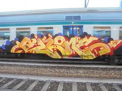 dani <3 (en-ri) Tags: akone bandits 25 arrow giallo rosso nero viola train torino graffiti writing