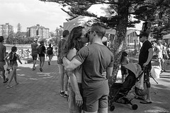 Manly beach, summer 2018  #531 (lynnb's snaps) Tags: apx100 leicacl rodinal wnikkor35cmf18ltm film manlybeach sydney australia coast summer 2018 agfaapx100 leicafilmphotography rangefinderphotography street people love couples kissing affection ©copyrightlynnburdekinallrightsreserved ishootfilm
