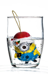 minion day 27 (auntneecey) Tags: minion bubbles 365the2018edition 3652018 day361365 27dec18 auntneecey