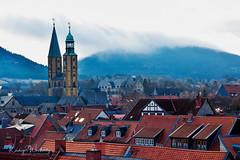 Goslar in wintermood (r.wacknitz) Tags: goslar harz marktkirche kaiserpfalz winterlight mood roof mountains nikond3400 nikkor luminar18 clouds stadt himmel turm