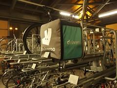 geliefert (mkorsakov) Tags: dortmund city innenstadt hbf bahnhof mainstation fahrradständer bikerack fahrradkurier bikemessenger rucksack backpack