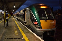 22008 at Heuston, 21/11/18 (hurricanemk1c) Tags: railways railway train trains irish rail irishrail iarnród éireann iarnródéireann dublin heuston 2018 22000 rotem icr rok 3pce 22008 interiorrefurbishment 1730heustongalway