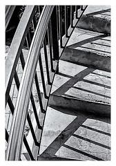 Pentax Auto 110 (1978) (Black and White Fine Art) Tags: pentaxauto1101978 pentax18mmf28 pentaxmini pentax 118format formato110 smallformat formatopequeño escaleras stairs sanjuan oldsanjuan viejosanjuan puertorico bn bw sombras shadows arquitecture arquitectura
