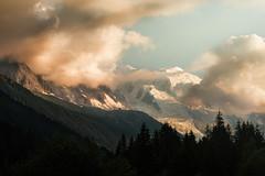 Contact (Giacomo della Sera) Tags: mountain montaña luz light fotografia photography francia france europa europe contacto giacomo della sera atardecer sunset