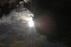 DSC_3209 (griecocathy) Tags: paysage eau reflet soleil montagne végétations cailloux rayon nuage noir blanc bleu vert