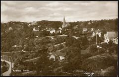 Postkort fra Agder (Avtrykket) Tags: bolighus eksteriør hus kirke postkort vei arendal austagder norway nor