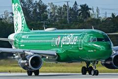 N595JB Boston Celtics Lucky Blue FLL JTPI 5186 (JTOcchialini) Tags: kfll fll jet blue a320 ft lauderdale hollywood international airport 2019 runway 10r special boston celtics ny jets i heart new york