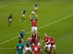 welsh lineout (mds63ie) Tags: wales rugby 6nations trophy grandslam principality milleniumstadium cardiff irishrugby ireland lineout