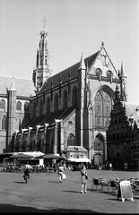 Grote Kerk, Haarlem (lumpy79) Tags: grotekerk haarlem pentax me smc pentaxm 1750mm forte 200 expired 2004 shot iso 6419° 2015 developped smcpm50mmf17