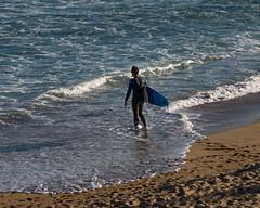 Surfing in Barcelona (michael_hamburg69) Tags: barcelona spain spanien barcelone barcelonés barcelonesa barcellona espagne españa spagna xībānyá katalonien catalonia cataluña neopren man male guy surfer beach wave waves